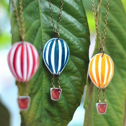 collar globo joyería colores