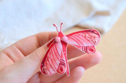 Broche mariposa rosa