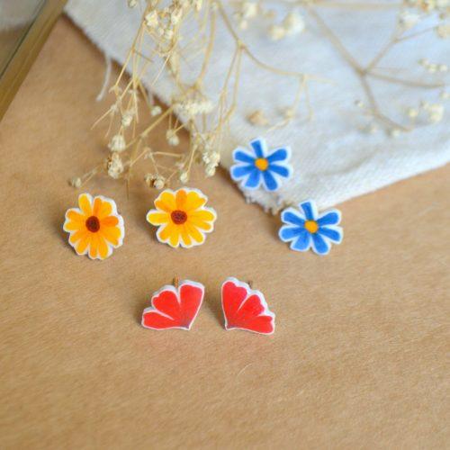 Pendientes flores colores ilustrados